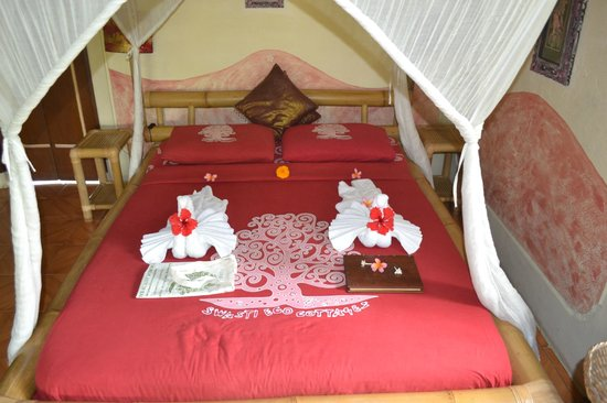 Swasti Eco Cottages : Chambre