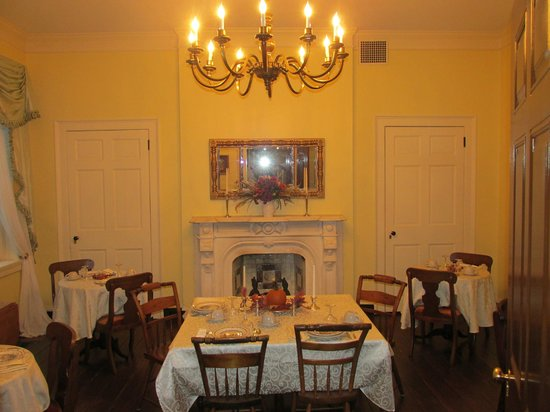 Rachael's Dowry Bed and Breakfast: Dining Room