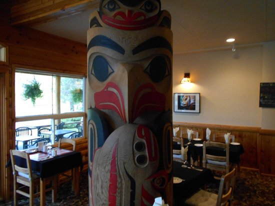 Haida House at Tllaal : Dining Room