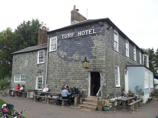 The Turf Locks: Exterior