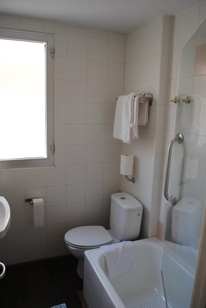 Hotel Neptuno: Baño antiguo