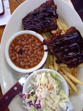 Great Outdoors Restaurant : The baby back ribs with sauce that is to die for
