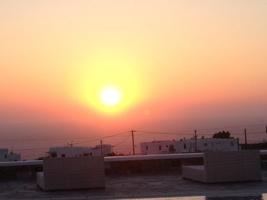 Aeolos Mykonos Hotel: Sunset from the room terrace
