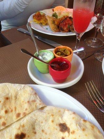Jaipur: sauces pour accompagner les beignets