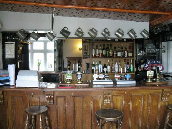 The Rose & Crown : The bar at the Rose and Crown