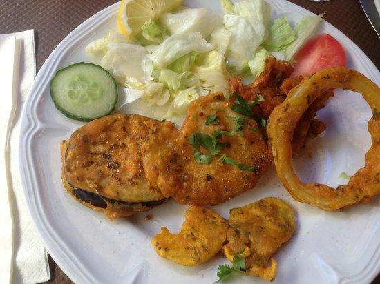 Jaipur: beignets de légumes à la farine de pois chiche