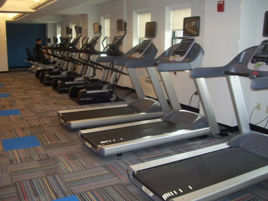 The Warwick Hotel Rittenhouse Square: gym-cardio area