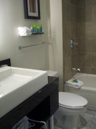 The Warwick Hotel Rittenhouse Square : bathroom
