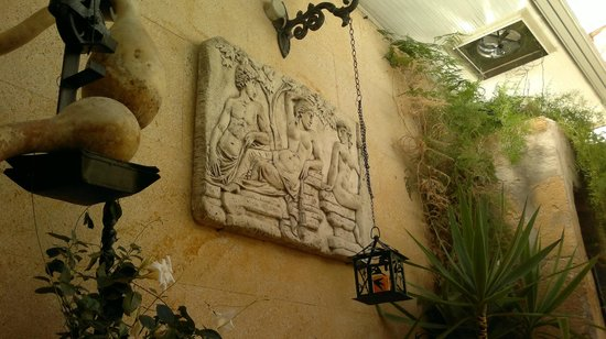 Can Costa Alcudia: un particolare del cortile interno