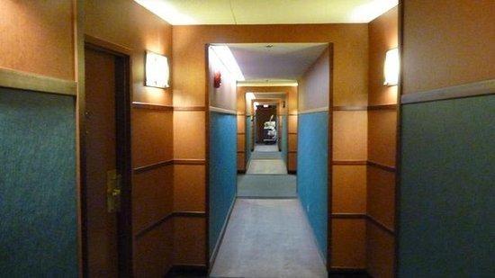 Norwood Hotel: Norwood hallway