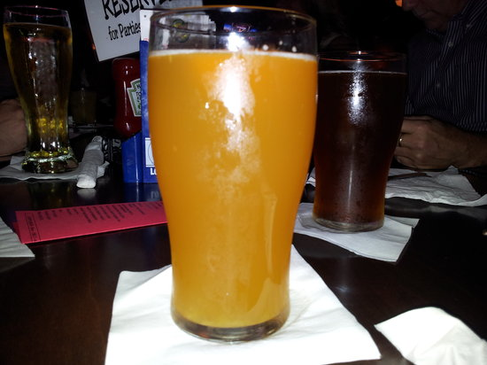 Malone's Tavern: Draft beer.
