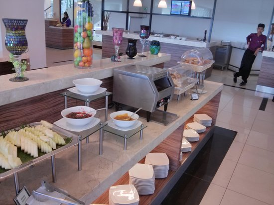 TH Hotel & Convention Centre Terengganu: normal breakfast. nothing special
