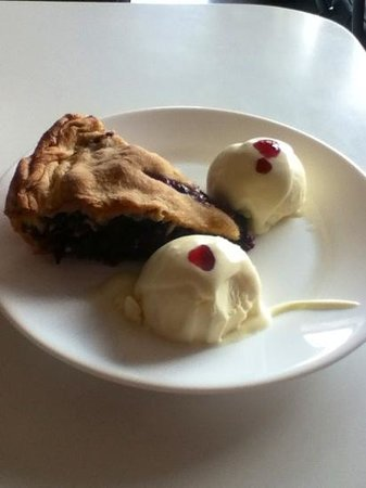 Shenandoah Pie Shop: Blackberry Pie