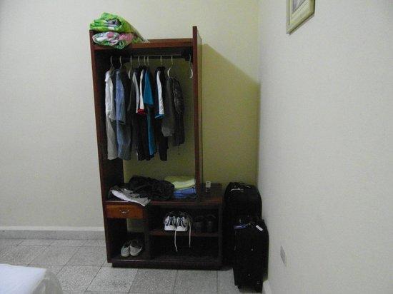 Odalys Perez y Manolo: Wardrobe
