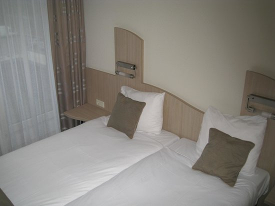 Amadore Hotel Restaurant De Kamperduinen: Slaapkamer