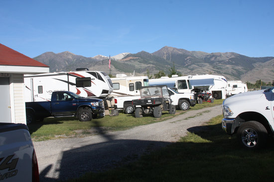White Knob Motel and RV Park: RV Park is beautiful and has parking for ATV'S and access to ATV trails. nice facilities.