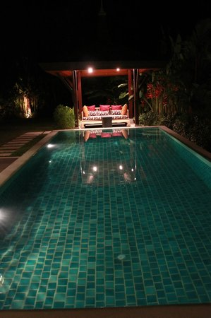 The Kiri Villas Resort: Pool
