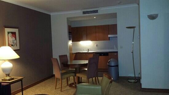 Marriott Executive Apartments Brussels, European Quarter : cuisine