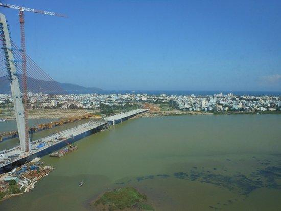 Grand Mercure Danang: Da Nang with blue sky!!! (bridge should be finished by now, i think)