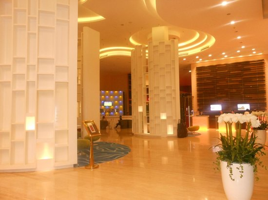 Grand Mercure Danang: Lobby :)