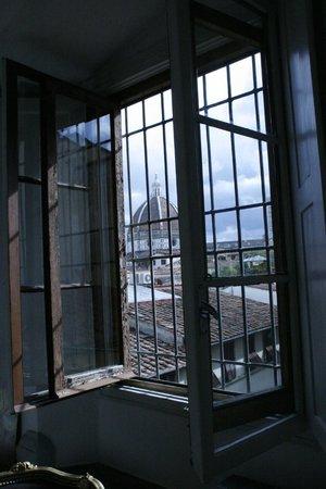 Palazzo Tolomei Residenza d'Epoca: Palazzo Tolomei zicht uit het raam