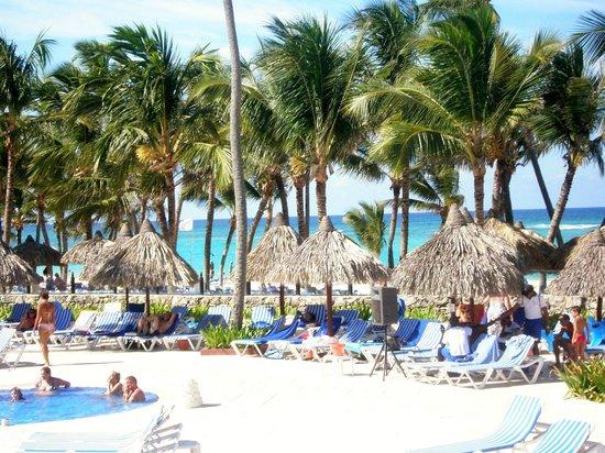 Grand Bahia Principe Bavaro : vue du resto plage