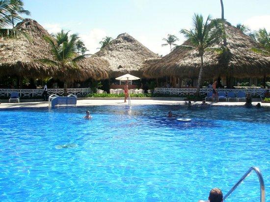 Grand Bahia Principe Bavaro : piscine