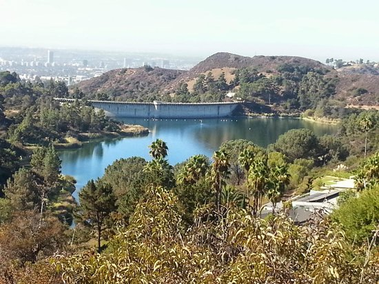 Lake Hollywood Park : View of lake