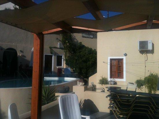 Ersi Villas: piscina