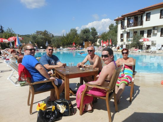 Saray Hotel: by the pool