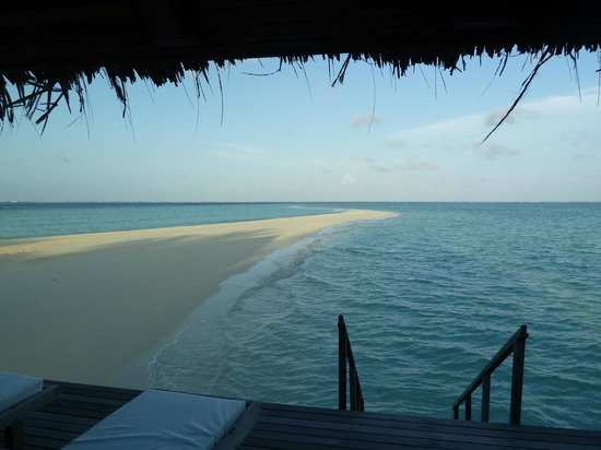 Gangehi Island Resort: The vies from the veranda of bungalow 31
