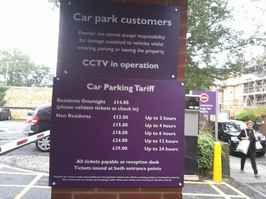 Premier Inn London Hampstead Hotel: car parking charges