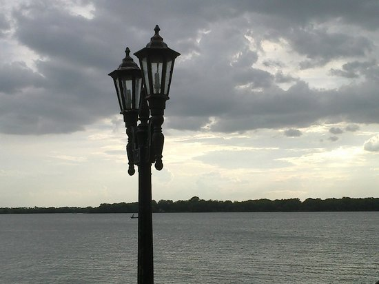 Bhavani Island: Banks of River Krishna