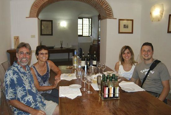 Castello di Volpaia: Wine tasting after the winery tour