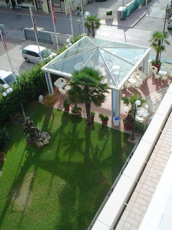 Hotel Tridentum: gazebo giardino