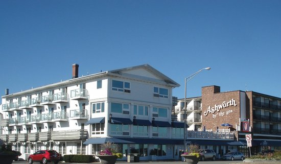 Ashworth by the Sea: Street view of Hotel