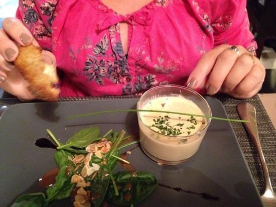 Auberge des Bouviers: oeuf meurette au foi gras