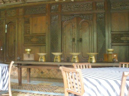 Widayanto Ceramic House : rumah yang unik