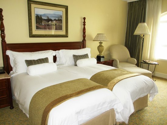 โรงแรมเดอะเทเบิ้ล เบย์: The beds in the room