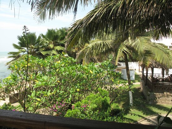 Best Western Plus Accra Beach Hotel: Grounds are nicely done
