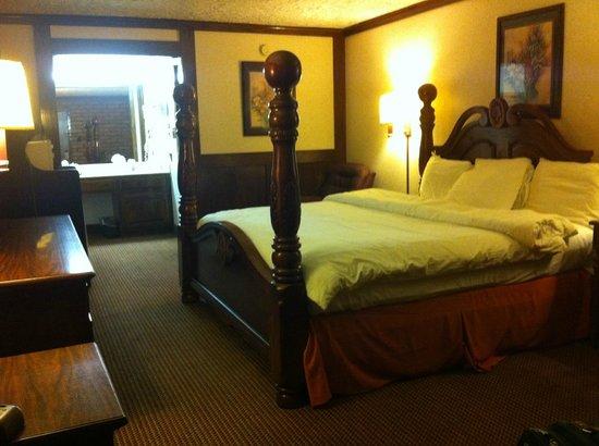Stratford Inn: knights inn premium room Tyler Texas