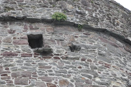 Reginald's Tower: Embedded cannonball