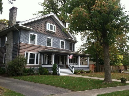 Hawthorne Park Bed and Breakfast: The Home