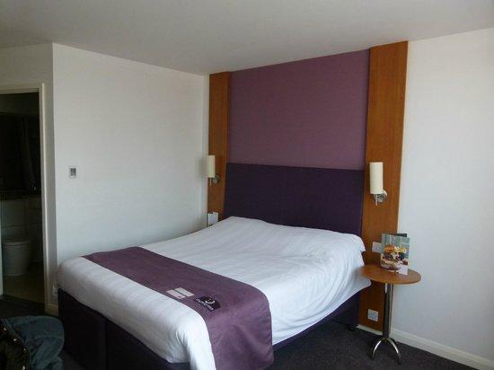 Premier Inn London Hanger Lane Hotel: Habitación