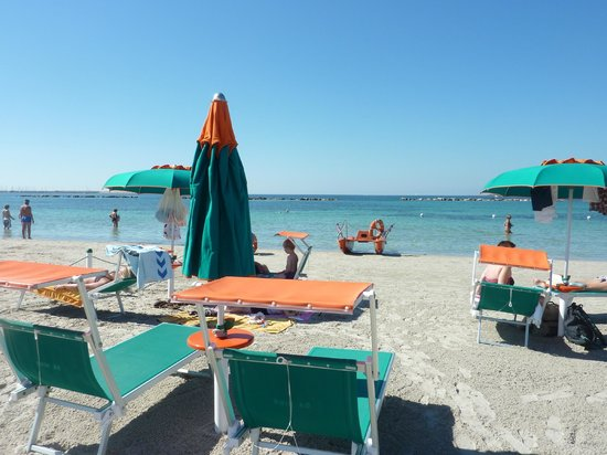 B&B Alghero Republic: Beautiful Beach  just a short walk away