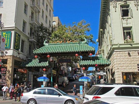 Barbary Coast Trail: china town gate