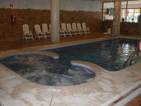 Hotel Mediterraneo Benidorm: Indoor Swimming Pool