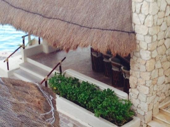 Bsea Cancun Plaza: pool bar