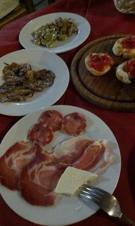Serafina Agriturismo : dinner-just antipasti part ;-)