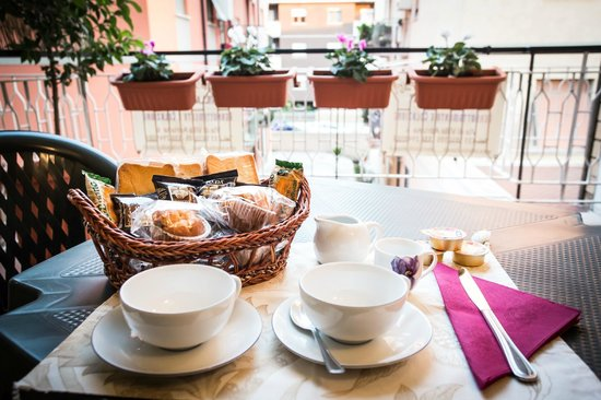 Bed&Breakfast Villa  Adriana : colazione